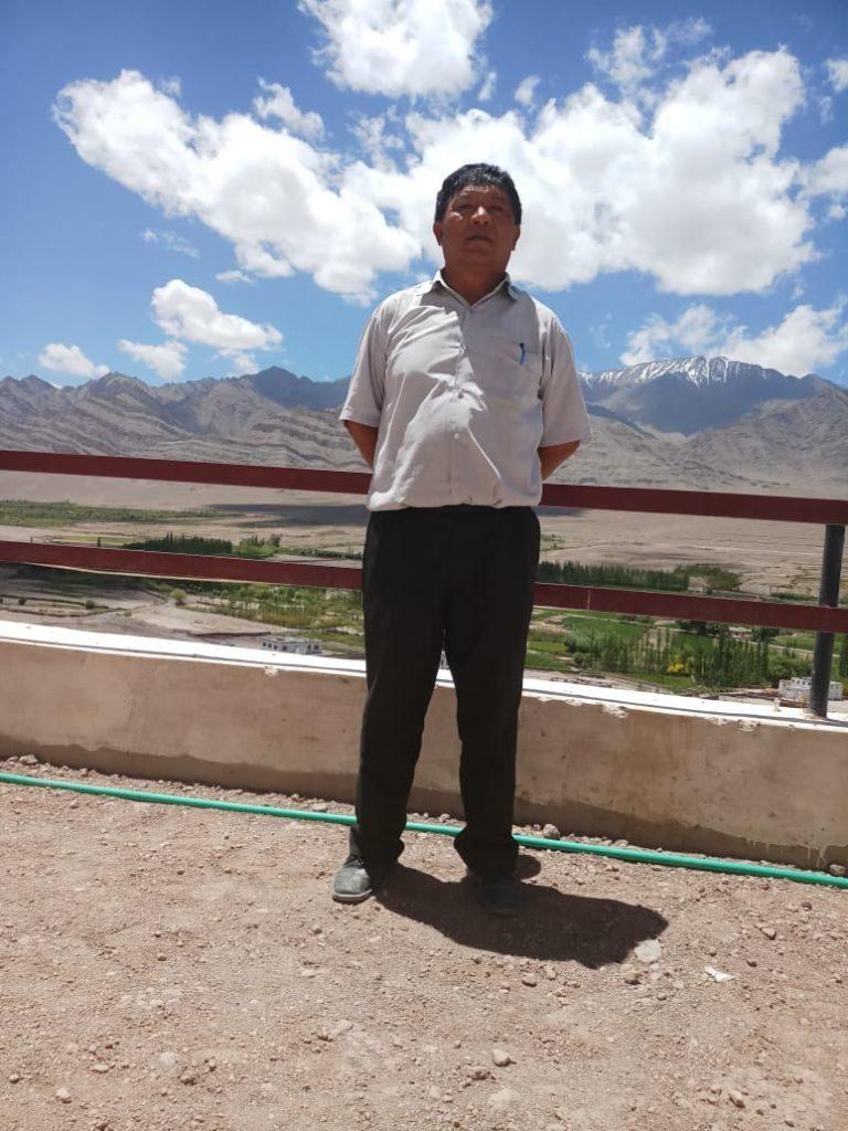 Foto von Mr. Tsering - Head master in TCV Agling (Schulleiter)
